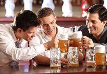 Έρευνα: Οι άνδρες πρέπει να βγαίνουν με τους φίλους τους!