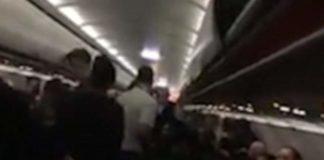 Αναγκαστική προσγείωση αεροσκάφους στην Αθήνα λόγω μεθυσμένης γυναίκας