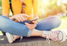 Τα social media προκαλούν έντονη δυστυχία στα κορίτσια