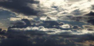 Καιρός: Αίθριος με τοπικές βροχές