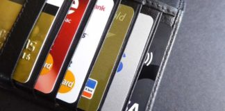 Αλλάζουν οι τραπεζικές συνήθειες στις χρεωστικές και πιστωτικές κάρτες;