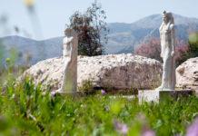 Εισέβαλαν στο ιερό Μπρεξίζας στον Μαραθώνα & προκάλεσαν ζημιές