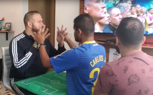Πώς βλέπει ένας κωφός και τυφλός ποδόσφαιρο;